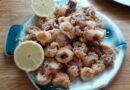 Calamaritos fritos exquisitos y para acompañarlos he preparado un tomate